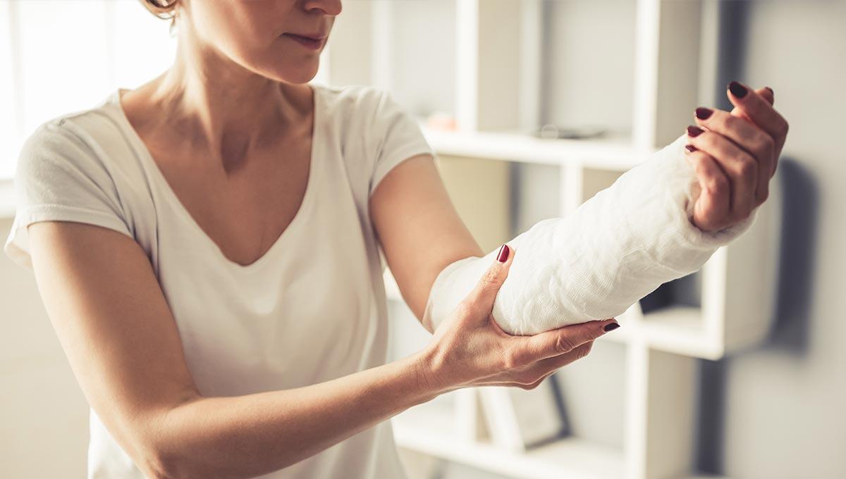 Porqué las mujeres sufren más fracturas que los hombres
